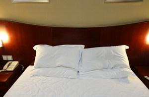 為什么酒店要放4個枕頭?