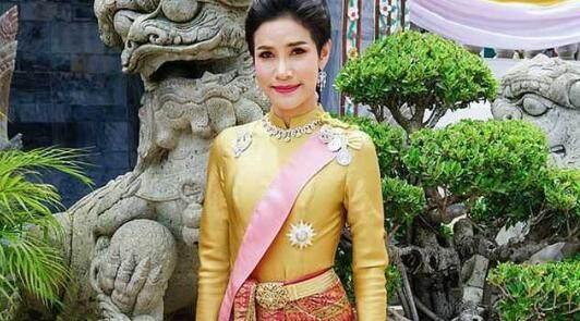 泰王室新王妃私服照公布 王室网站因流量太大一度崩溃