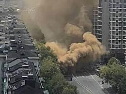 杭州一地面坍塌冒出黄色浓烟!周边人员已疏散无人员伤亡