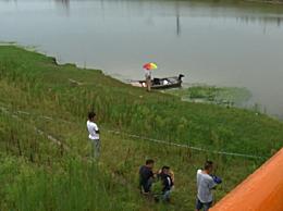 19岁男网红落水遇难事件始末 凌晨在河上直播表演撒网