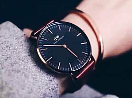 手表和手镯怎么一起带?手表和手镯一起带怎么搭配