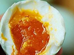 鸭蛋怎么腌制出油 腌制多油咸鸭蛋小窍门