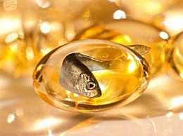 女人吃深海鱼油有什么好处?深海鱼油的功效与作用有哪些