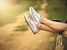 小白鞋泛黄怎么办?鞋子泛黄怎么洗白