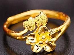 黄金首饰怎么清洗 黄金首饰正确清洗方法