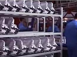 海尔男员工下跪求转岗 工作15小时无加班费