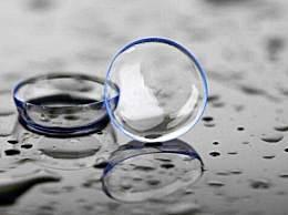 隐形眼镜用水泡一晚还能用吗?隐形眼镜的危害有哪些