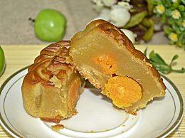 莲蓉蛋黄成最受欢迎月饼 月饼与各地饮食习俗相融合