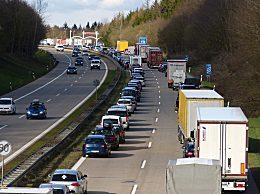 今天18点至20点最堵!交通部预测今日车流量约为平日2.2倍