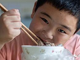 长胖是为了救爸爸!11岁男孩路子宽增肥救父