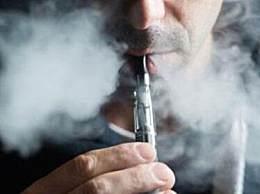 美国青年起诉电子烟制造商 抽电子烟查出肺损伤