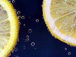 柠檬水的功效与作用及禁忌!柠檬水什么时候喝最好