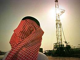 沙特原油价格飙升 每桶100美元上涨近20%