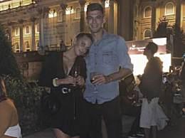 邓文迪与男友分手 前任公开晒新女友照片
