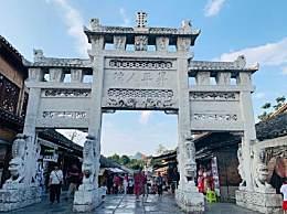 青岩古镇的具体位置及特色景点