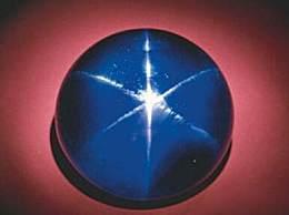 世界上最大蓝宝石 比乒乓球都大