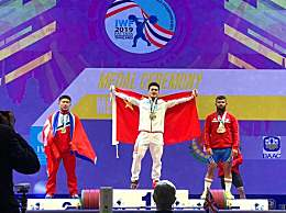 石智勇勇夺三金赛事详情 挺举和总成绩打破世界纪录