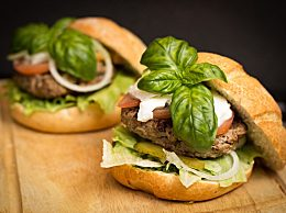 麦当劳试水人造肉汉堡 该款汉堡售价折合人民币约34.92元