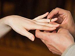 男士求婚一定要戒指吗 求婚戒指买一个还是买一对