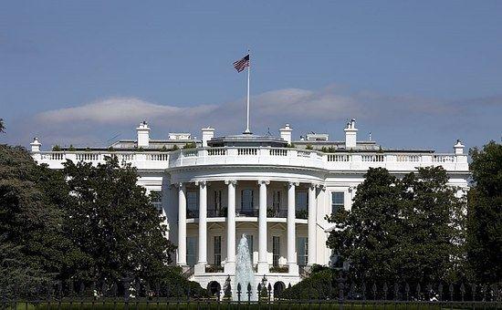 white-house-754766__340.jpg