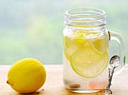 蜂蜜柠檬水怎么做 轻松4步自制柠檬水 比买的还好喝