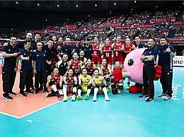 女排卫冕世界杯冠军 中国女排豪取11连胜夺冠