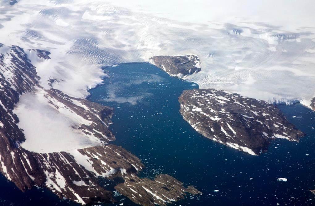 格陵兰冰川再现崩塌
