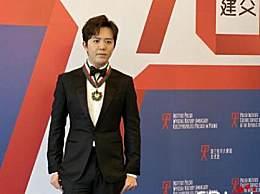 李云迪获金质勋章 第一位获此殊荣的中国钢琴家