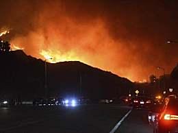美国加州爆发山火 过火面积达91英亩