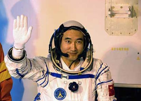 神七航天员是谁_中国太空行走第一人是谁 中国太空行走第一人翟志刚个人资料 ...