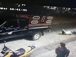 墨西哥市长被拖行 所幸并未受重伤