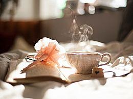 喝茶可以替代喝水�幔恐缓炔璨缓人�有什么�奶�和影�