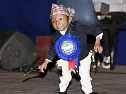 世界上最小的人 14岁少年体重4.5公斤