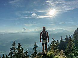 爬山会伤膝盖吗?爬山过程怎么保护膝关节