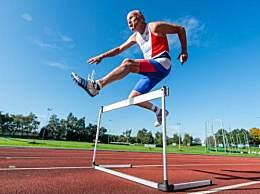 世界上跑得最快的老人 84岁依然健步如飞