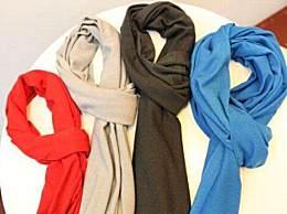 基本款��巾怎么搭配?怎�痈���服�b�x��巾