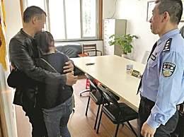与至亲失联26年 山东小伙到杭州求助寻母