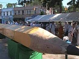 世界上最大的铅笔 长23米重达9.7吨