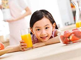 榨汁机榨果汁需要加水吗 决定榨汁是否加水的4个条件