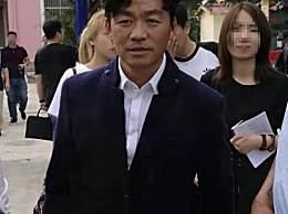 王宝强现身云南参加活动 与当地人一起跳民族舞