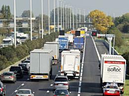 比利时一货车内发现12名移民 来自叙利亚和苏丹