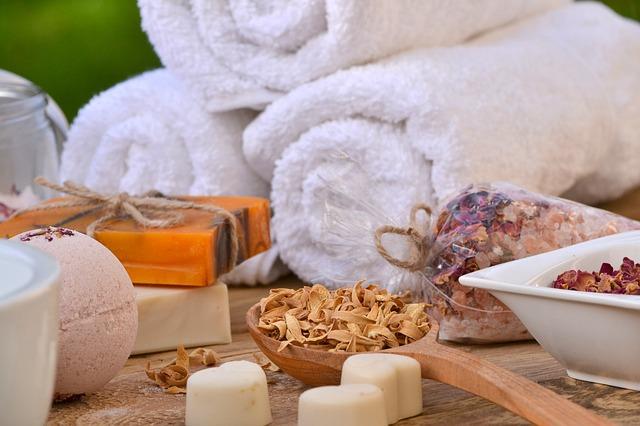 洗脸巾可以重复使用吗?洗脸毛巾有哪些种类