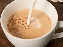 速溶咖啡里可以加什么 能加牛奶蜂蜜吗