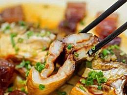 腊肉怎么做最好吃 生腊肉蒸着吃好还是煮着吃好