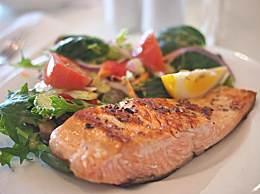 鱼头的四种家常做法 鱼头怎么吃更营养?