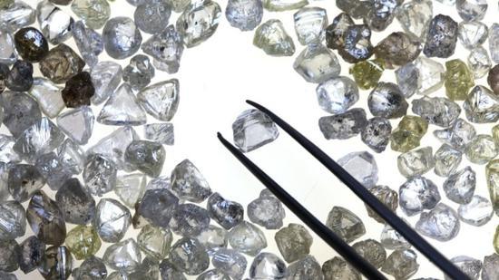 全球钻石供应过剩 钻石行业危机扩大
