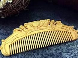 梳头发用什么梳子最好?怎么用手梳头发