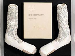 杰克逊水晶袜拍卖 至少可以拍到100万美元甚至可达200万