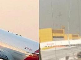 印度机窗裂粘后继续飞 乘客对飞机安全性感到担忧