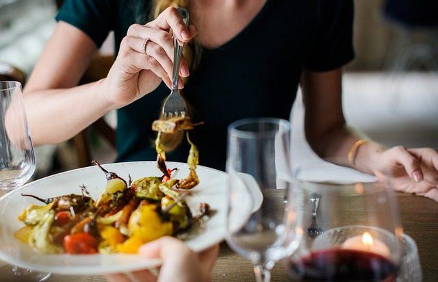 关于美食的作文怎么写?描写美食的作文优秀范文大全